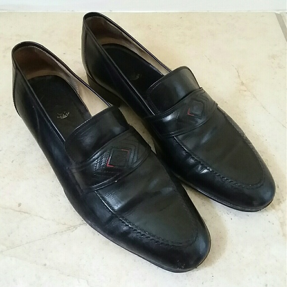 ff10998d32d Gucci Other - Gucci Italy Vintage Leather Slip On Loafers 42 9